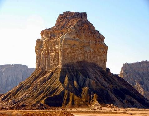 Hormuz valley of statues